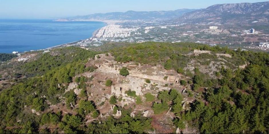 """Alanya'daki """"Syedra Antik Kenti"""" gün yüzüne çıkarılıyor"""
