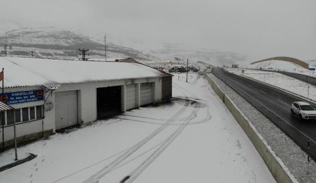 Tunceli'de kar ve tipi: 58 köye ulaşım sağlanamıyor