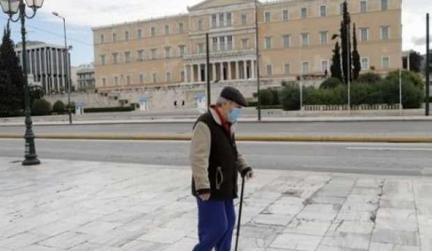 Yunanistan'daki karantina bir hafta daha uzatıldı