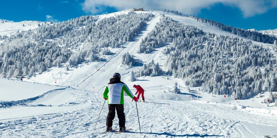 Uludağ'da kar yağışı tatilcileri sevindirdi