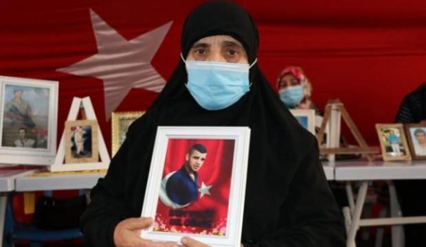 Evlat nöbetindeki anne: HDP beni yıldıramaz, ben HDP'yi yıldırırım