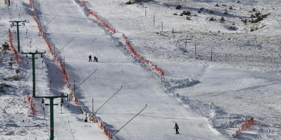 """Kartalkaya kayak sezonuna """"merhaba"""" dedi"""