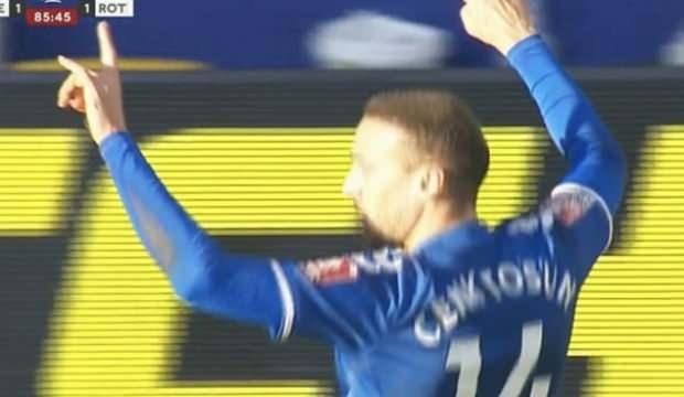 Cenk Tosun'un gol sevinci kızdırdı!