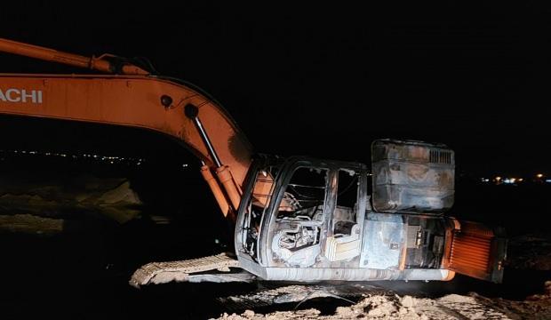 Diyarbakır'da belediyenin kiraladığı iş makinesini yaktılar