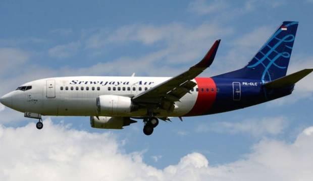 Endonezya'da düşen yolcu uçağının kara kutusu bulundu