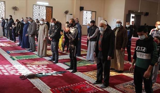 Gazze'de bir aydan uzun zamandan beri kapalı olan camiler yeniden ibadete açıldı
