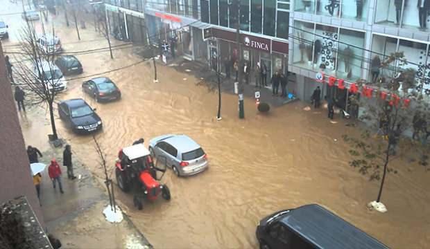 Kosova'yı sel vurdu!