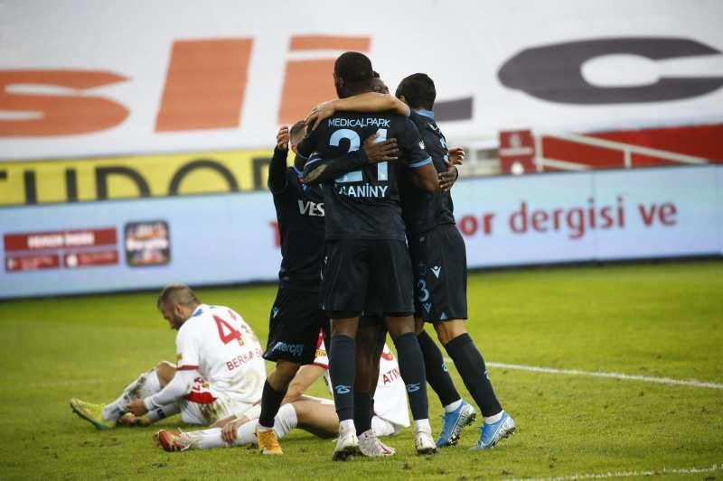 4. Galibiyetini alan Trabzonspor puanını 26 yaptı