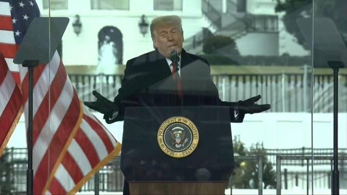 Trump ve destekçileri olaylar patlak vermeden önce miting düzenledi