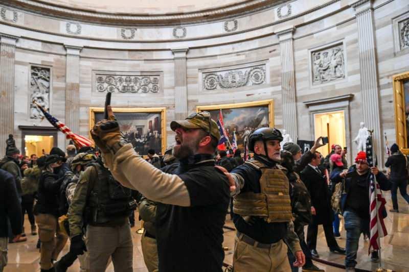 Trump destekçileri Senato'da