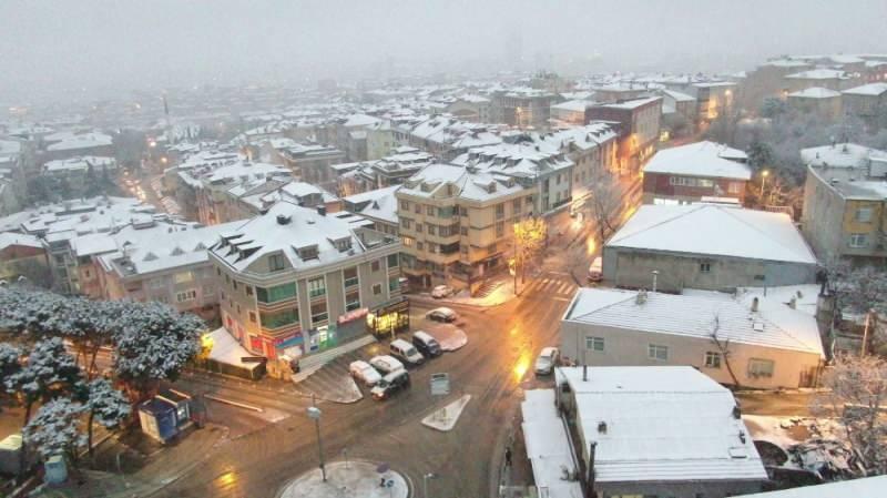 Son dakika: İstanbul'a lapa lapa kar yağışı! Meteoroloji birçok ili daha uyardı...