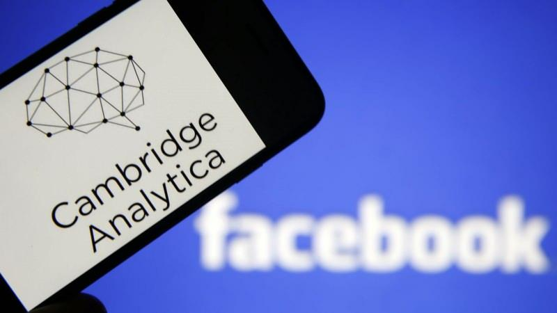 Facebook–Cambridge Analytica veri skandalı, Cambridge Analytica'nın 2014 yılında toplamaya başladığı yaklaşık 50 milyon Facebook kullanıcısının kişisel olarak tanımlanabilir bilgilerinin toplandığı bir veri ihlalidir. Elde edilen veriler, bu kişileri işe alan politikacılar adına seçmenlerin fikrini etkilemek için kullanıldı
