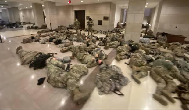 ABD alarmda! Askerlerin şok görüntüleri ABD Kongresi'nden