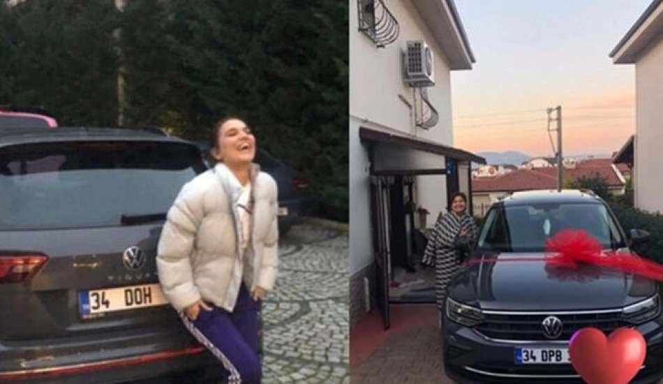 Annesine hediye alan Demet Akalın'dan otomobil açıklaması: O kadar cimri değiliz be!