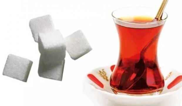 Çay keyfi zehre dönüşüyor! Çayı şekerli içmek pek çok hastalığa davetiye çıkarıyor