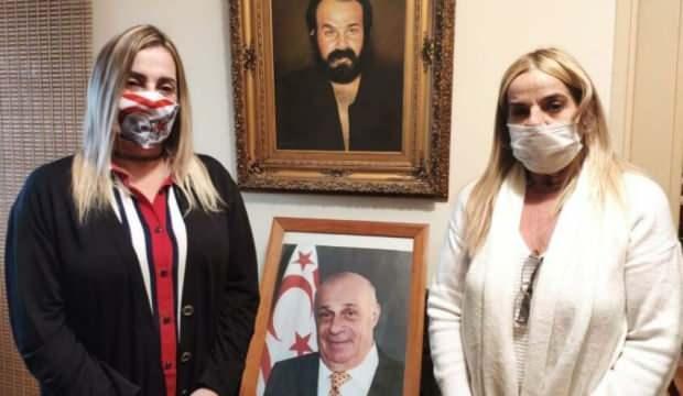 Çocukları ölüm yıldönümünde Denktaş'ı anlattı: Türkiye'siz adım atmazdı