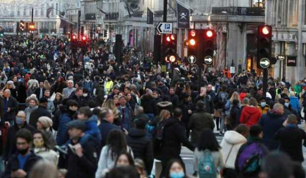 İngiltere'de son 24 saatte 1280 can kaybı