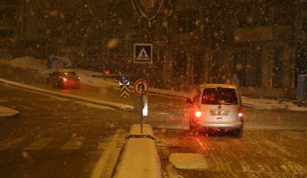 Kocaeli, Sakarya, Düzce ve Bolu'da kar yağışı etkili oluyor