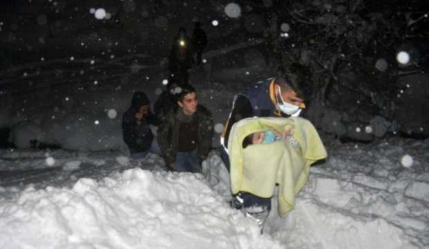 Abdurrahim bebek 4 saat çalışma sonucu hastaneye kaldırıldı