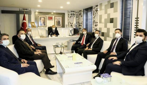 AK Partili Canikli'den belediyeye ziyaret