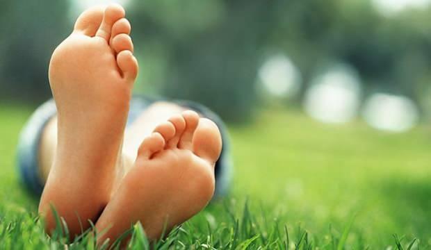 Ayak tabanı yanması hangi hastalıkların belirtisidir? Ayak tabanı yanmasına ne iyi gelir?
