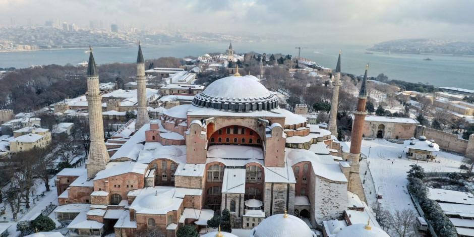 İstanbul'dan kartpostallık kar manzaraları
