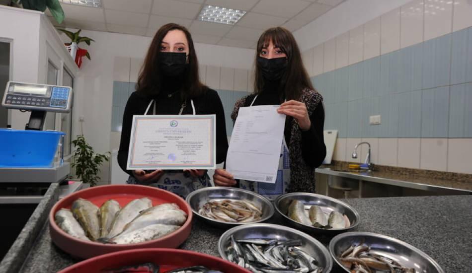 Kübra - Melda Çelenk kardeşler erkek işi denilen balıkçılıkta başarı yakaladılar