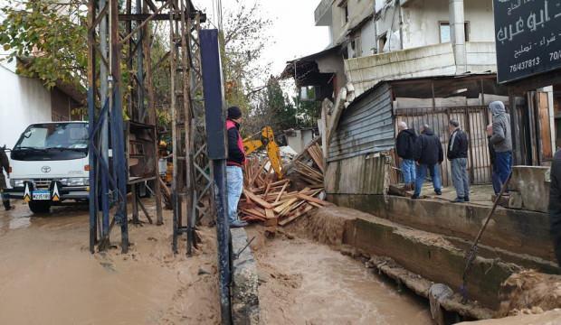 Lübnan'da sel felaketi; birçok ev, kafe araç hasar gördü