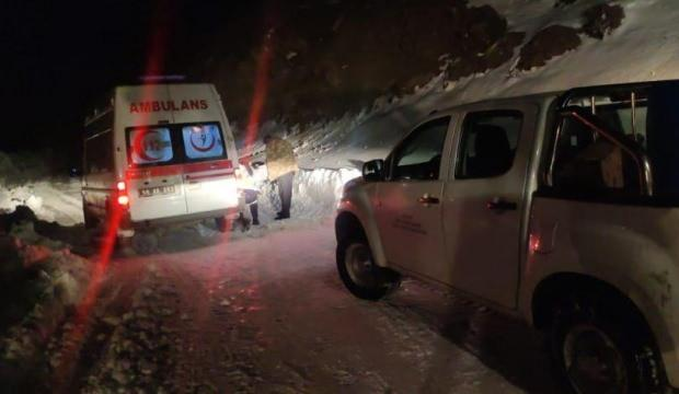 Siirt'te karda mahsur kalan hasta kurtarıldı