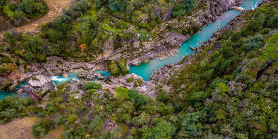 Dünyaca ünlü Köprülü Kanyon'da kış manzarası
