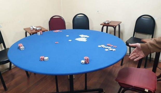 Kağıthane'de kumar oynayan 16 kişiye, 55 bin lira ceza kesildi