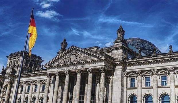 Kassel Valisi'ni öldüren Neonazi Ernst'e ömür boyu hapis cezası