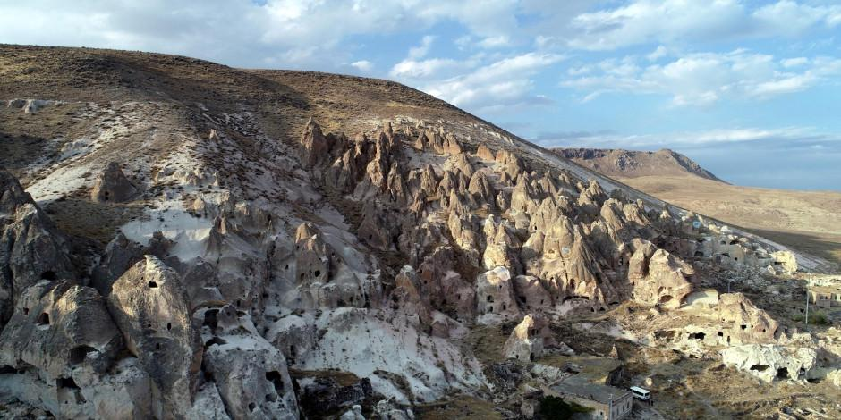 Kayseri'den Kapadokya'ya rakip peribacaları