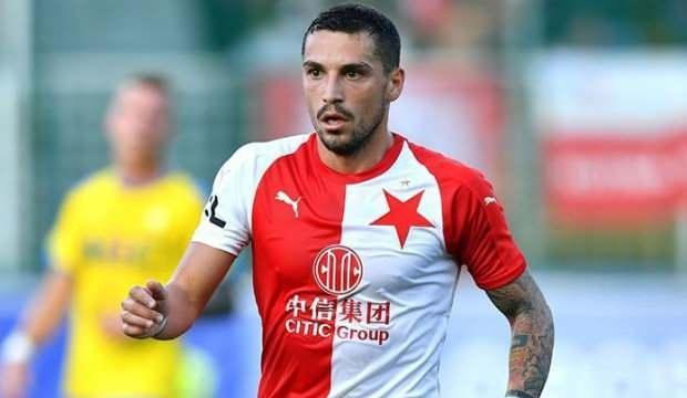 Trabzonspor Stanciu için kaynak arayışında!