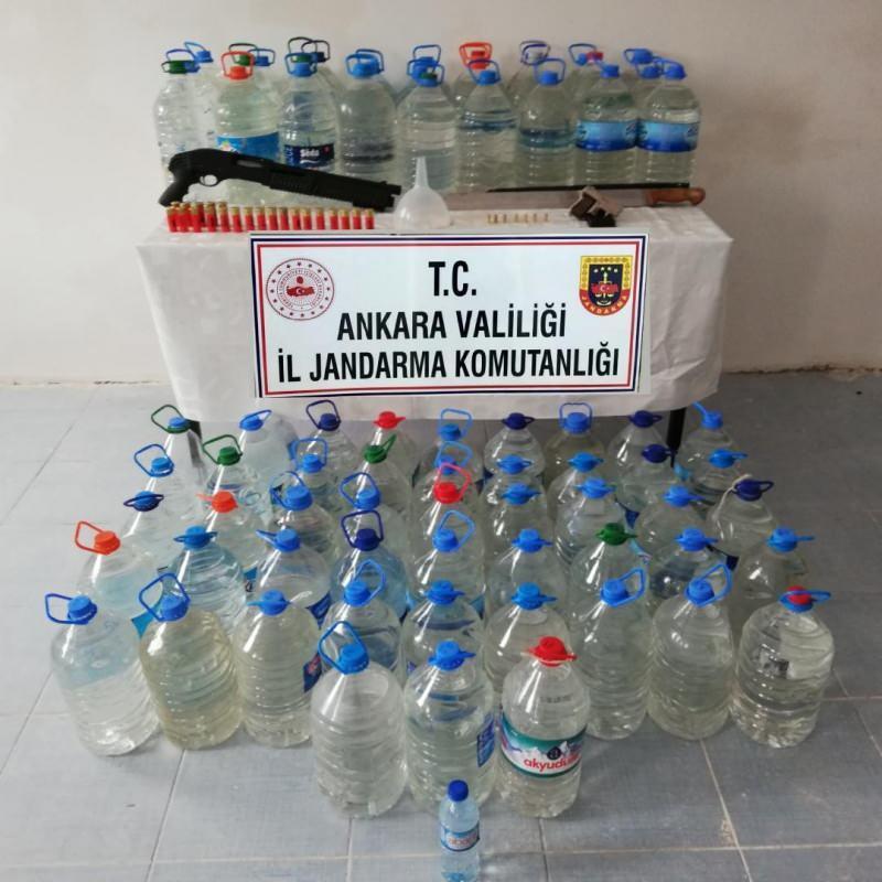 Jandarmadan sahte içki üretip satan aileye operasyon
