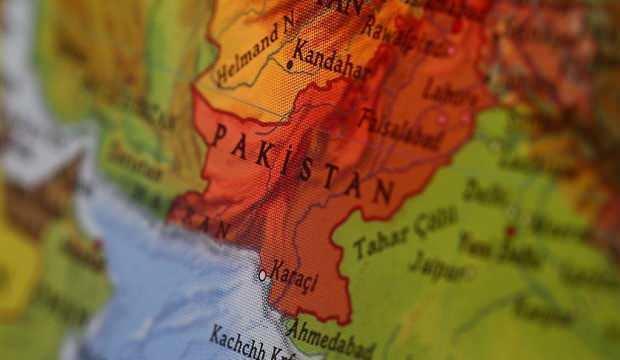 Pakistan'da 3 terörist öldürüldü