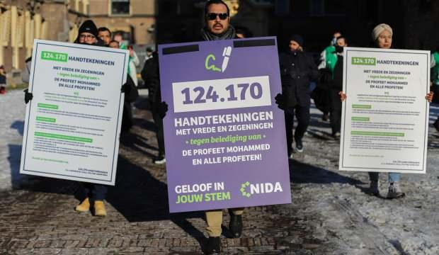 Hollanda'da Hz. Muhammed'e hakaret edilmesinin suç sayılması için 124 bin 170 imza toplandı