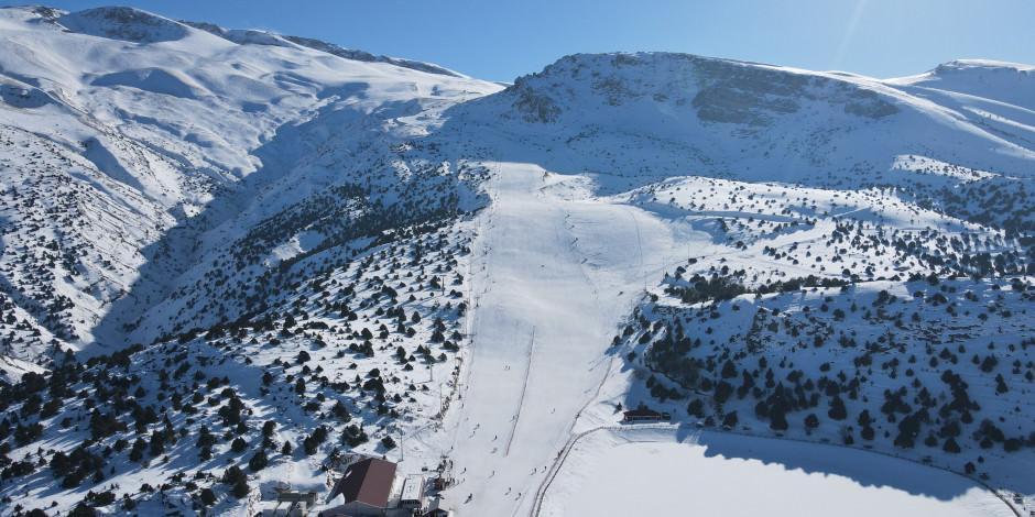 Munzur Dağları eteklerinde Avrupa standartlarında kayak keyfi