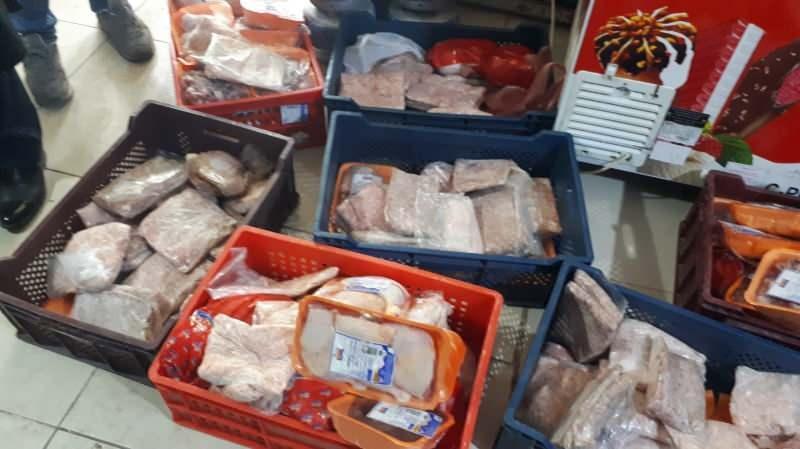 Markette yapılan kontrolde 250 kilo bozulmuş et ele geçirildi ile ilgili görsel sonucu