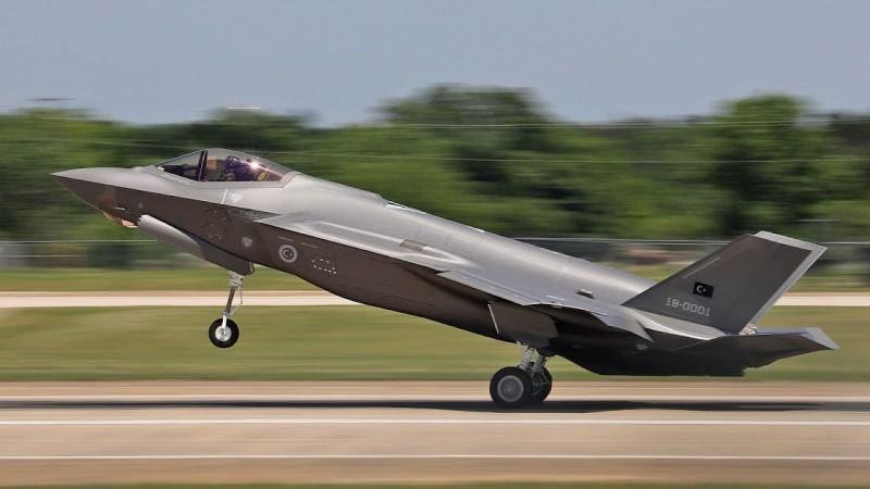 """Türkiye için üretilen ilk F-35, """"18-0001"""" kuyruk numarasına sahipti"""