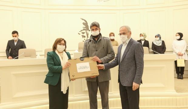 Gaziantep Büyükşehir Belediyesi Hz. Hatice konulu kompozisyon yarışması ödül töreni düzenledi