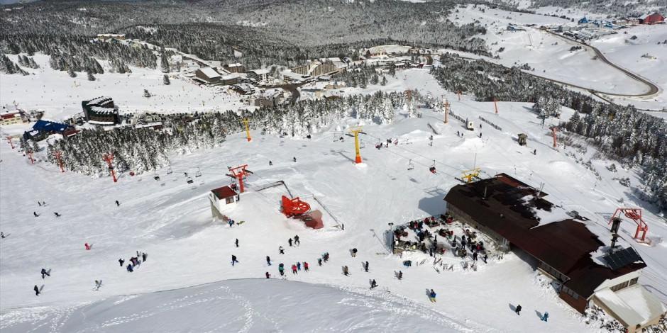 Kayak merkezlerinde hafta sonu yoğunluğu!