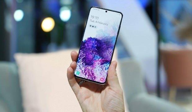 Android 12 güncellemesini alacak Samsung modelleri belli oldu