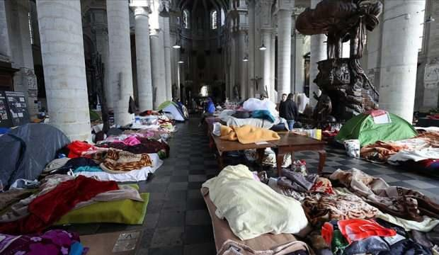 """Belçika'nın """"kağıtsız"""" göçmenleri resmi oturum belgelerini istiyor"""