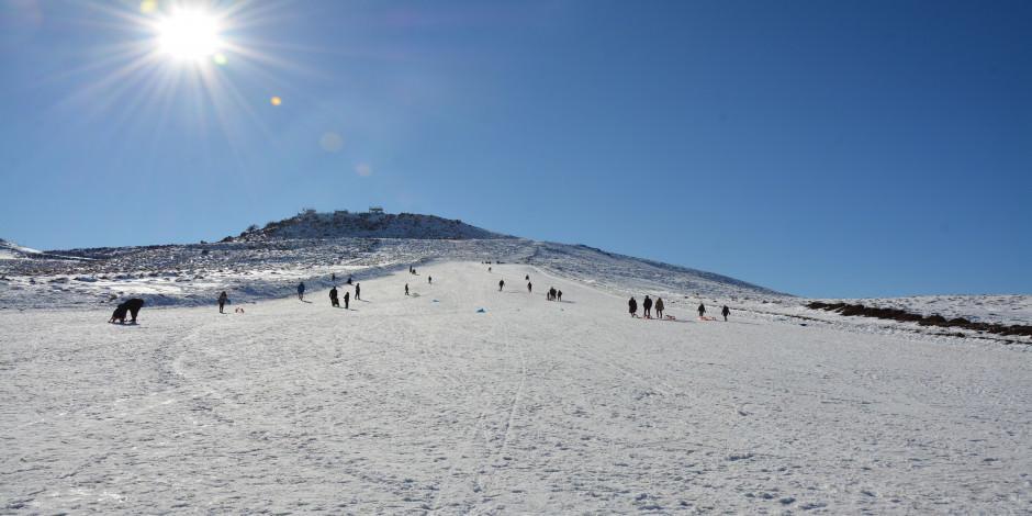"""""""Güneydoğu'nun Uludağı"""" sezonun son kayakçılarını ağırlıyor"""