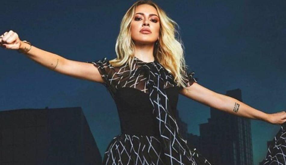 Hadise 3 şarkılık EP'si 'Aşka Kapandım' ile zirveye yerleşti!