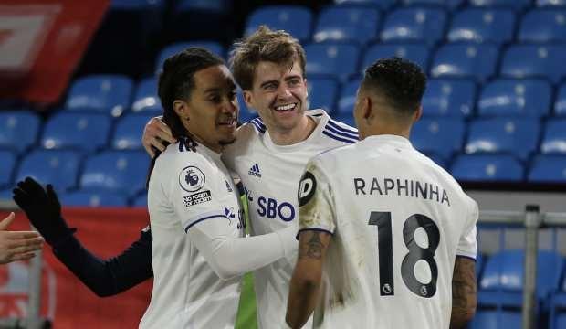 Leeds United 3 puanı 3 golle aldı!