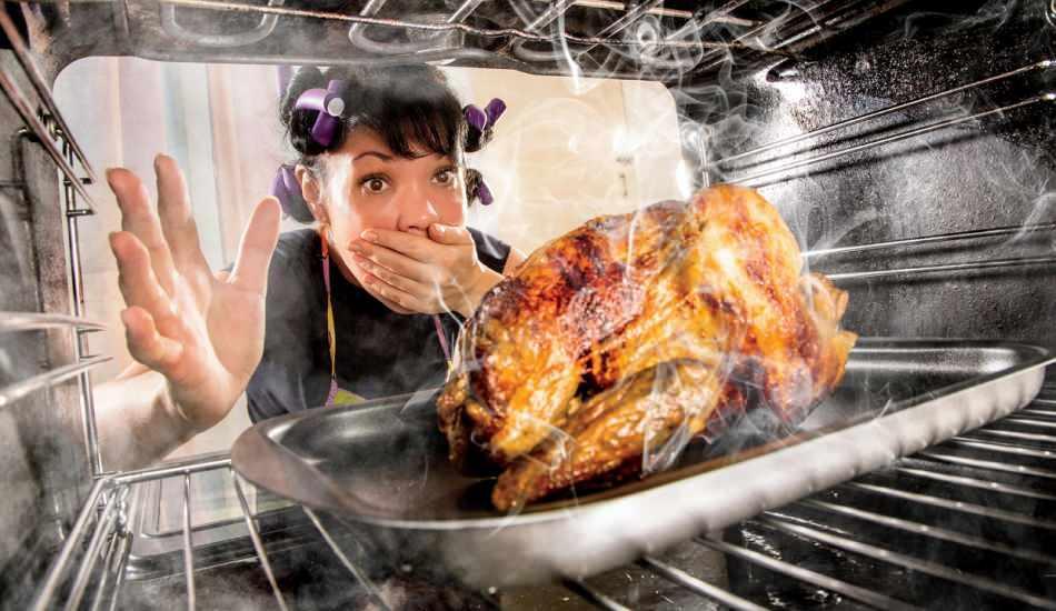 Mutfaktaki yanmış yağ kokusu nasıl çıkar?  Yanmış yemek kokusunu gideren 7 hızlı çözüm