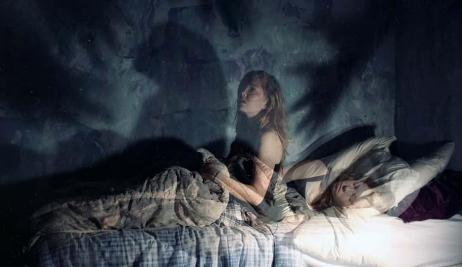 Uyku felci neden olur? Uyku felci belirtileri nelerdir? Uyku felcinin tedavisi var mıdır?