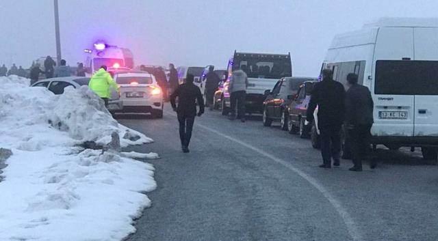 Tatvan'da askeri helikopter düştü